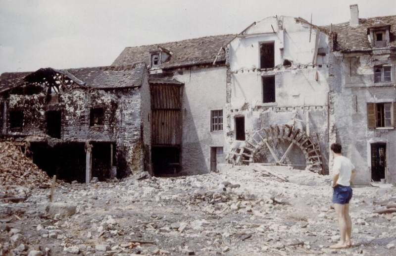 Destruction du Moulin à Peaux vers 1962